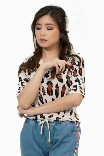 White leopard knitted shirt