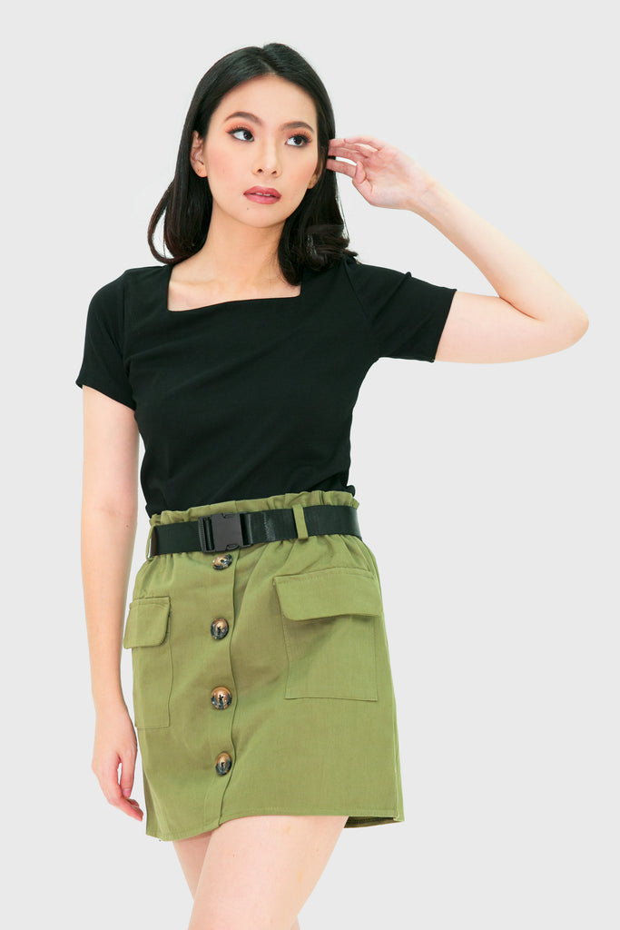 Military green cargo skirt with pockets and belt