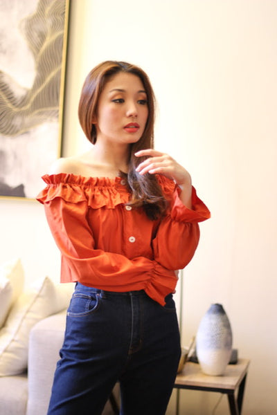 Coral offshoulder longsleeves with white button