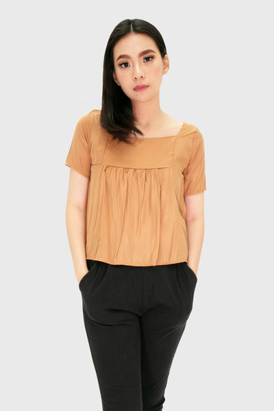 Brown square neck short sleeve light fabric top