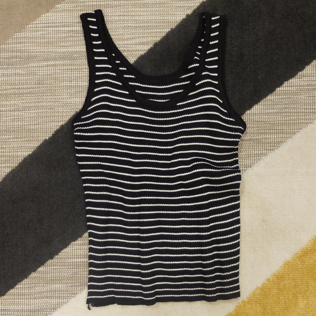 Black stripes knit