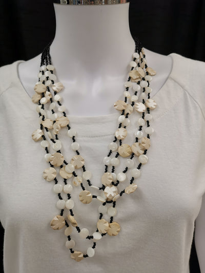 Cream Shell Necklace NK4598