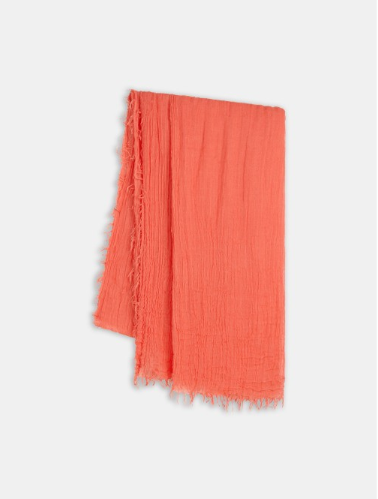 Scarf with fringing