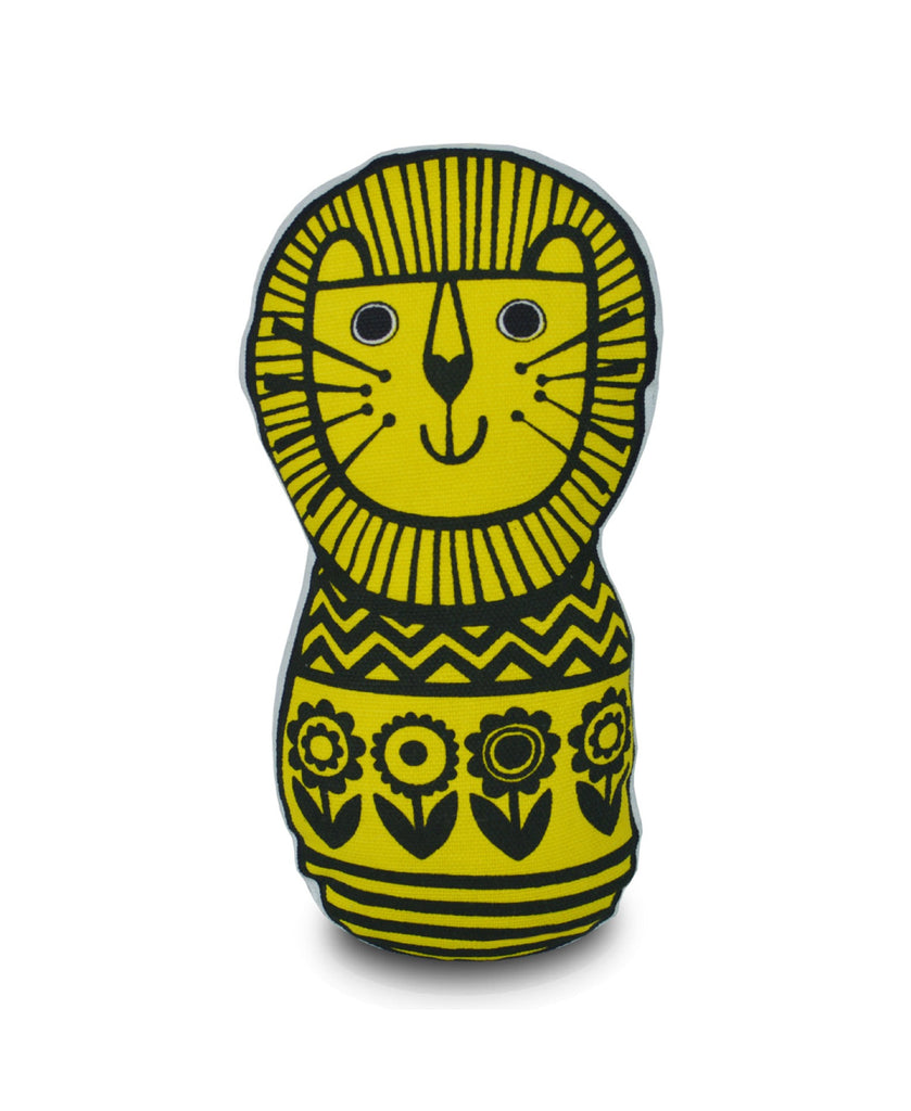 Jane Foster lion sewing kit - finished product