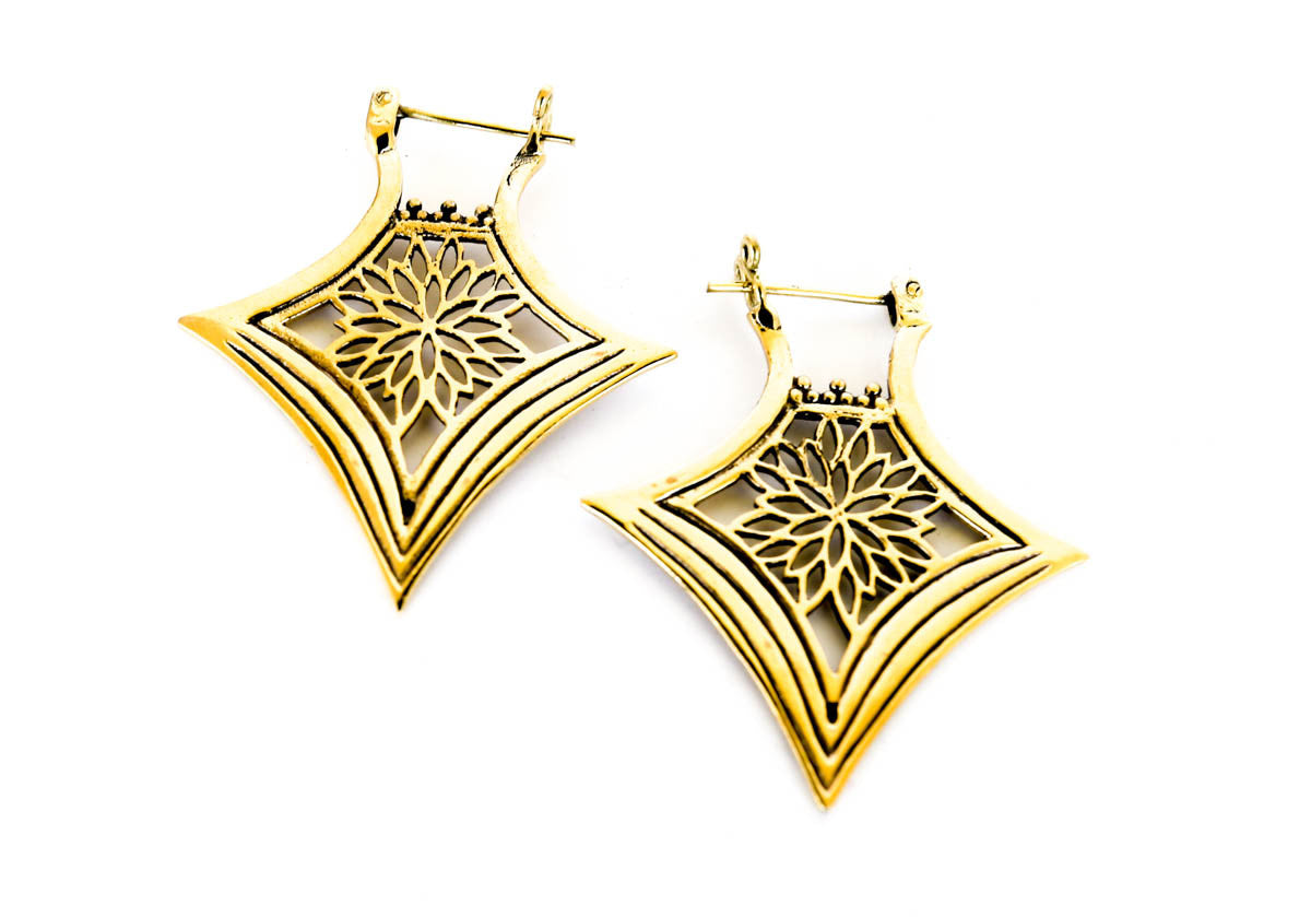 FlowerBurst Earrings - Blonde Vagabond