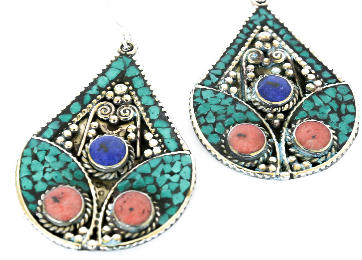 Tibetan Beauty Earrings - Blonde Vagabond