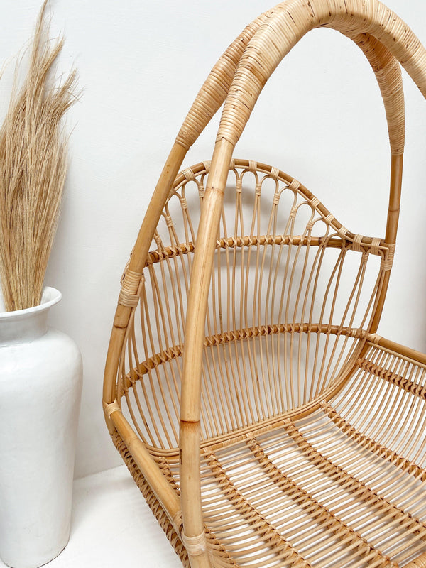 THE LORNE HANGING CHAIR