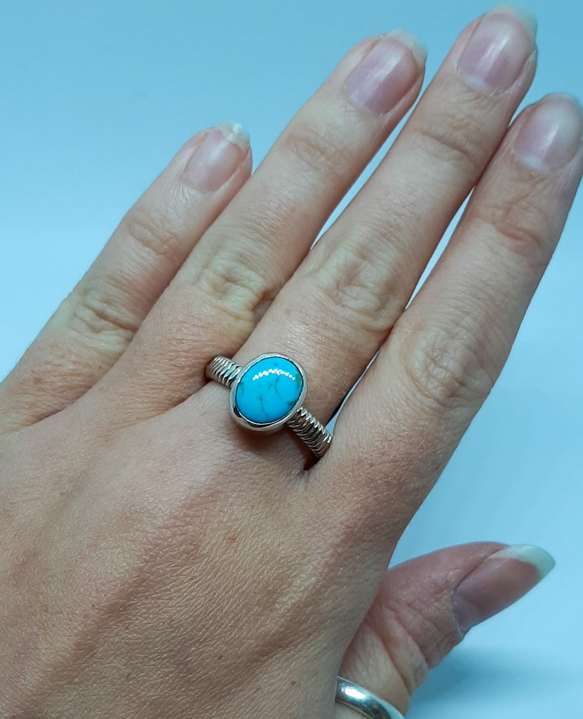 Detailed Band Oval Turquoise Ring