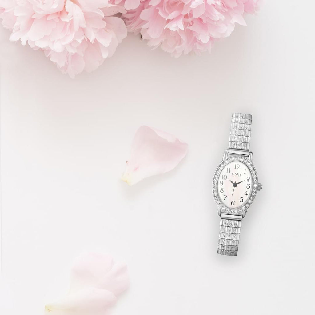 Ladies expanding silver plated Limit watch