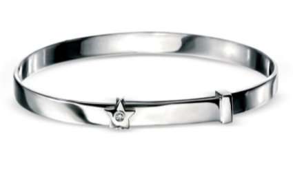 D For Diamond Star Bangle b772
