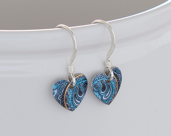 Paisley small round heart earrings