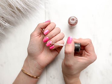 Social Distance: Healthy Nails at home