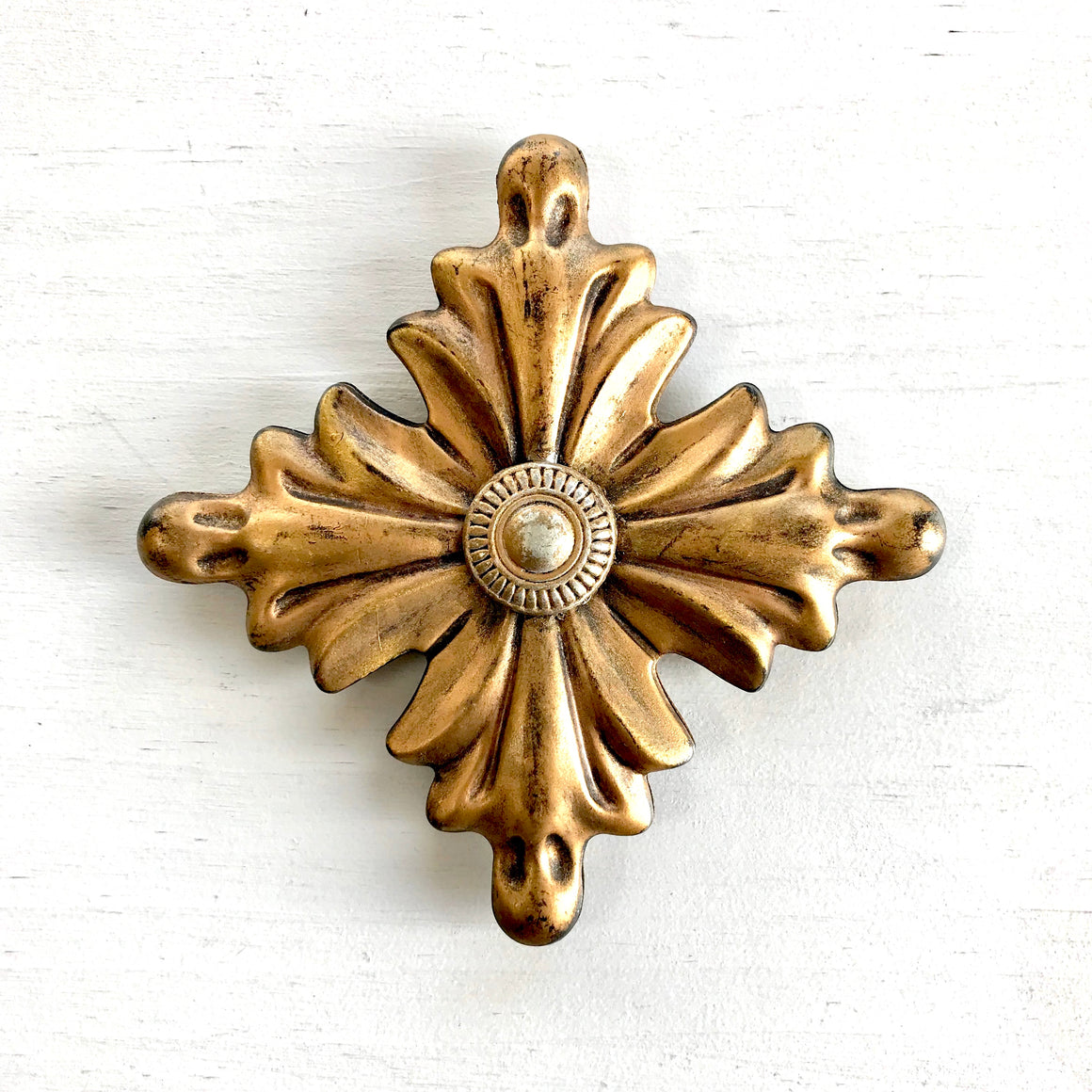 Diamond Rosette Medallion