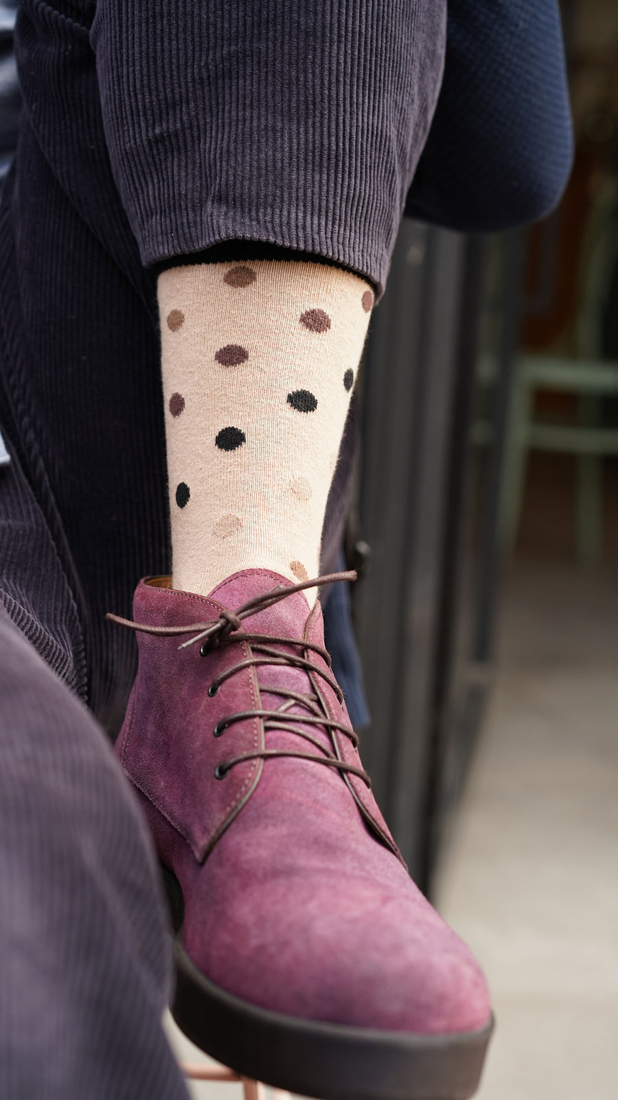 Men's Sand Dot Socks brown and black