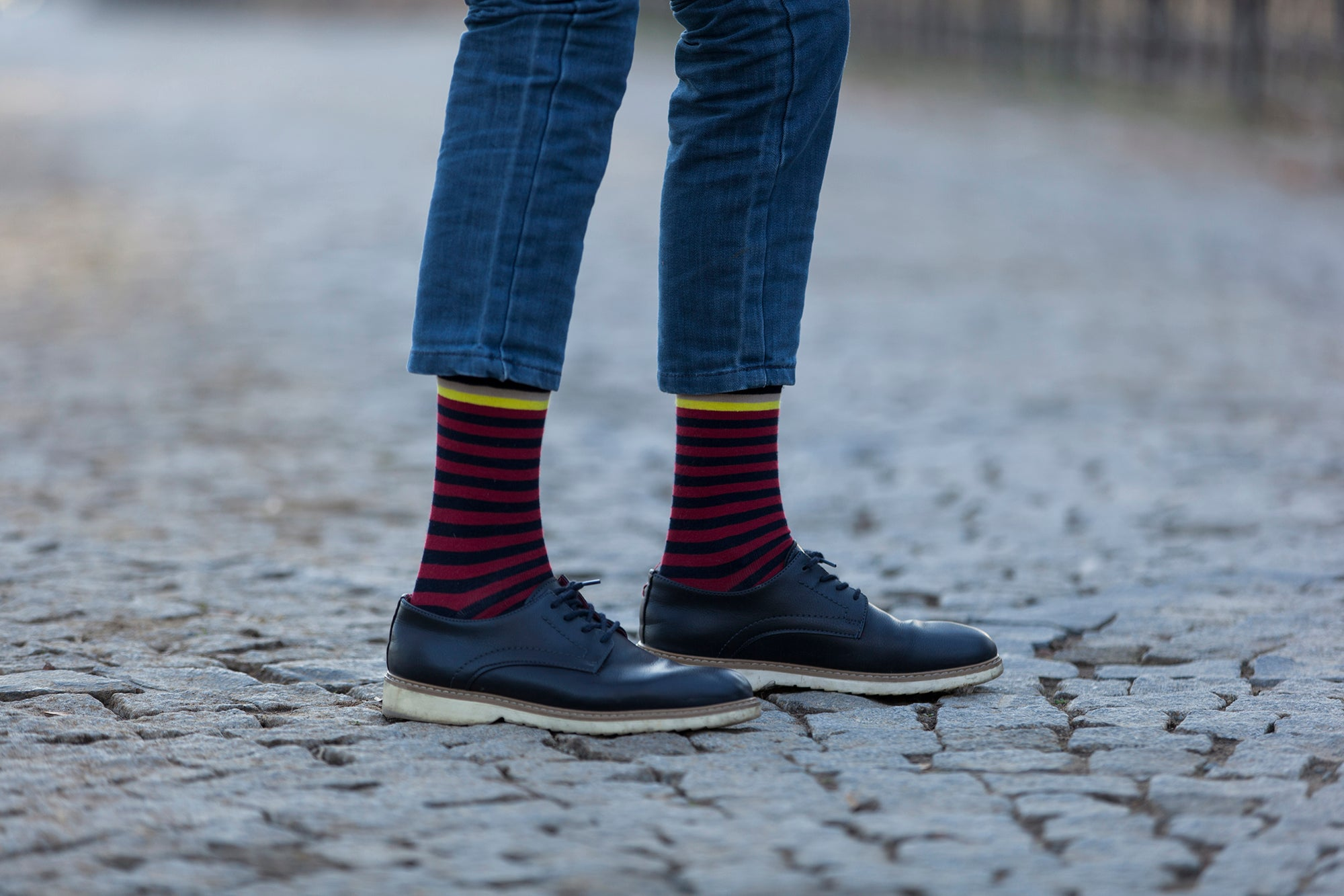 Men's Solid Burgundy Stripe Socks