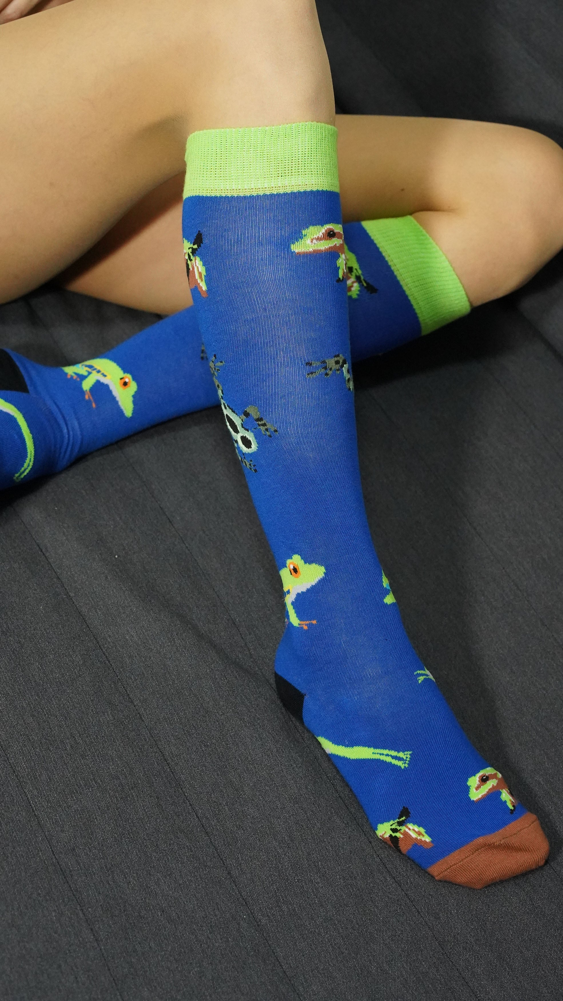 Women's Frog Knee High Socks