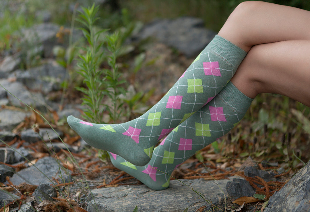 Women's Traditional Argyle Knee High Socks Set