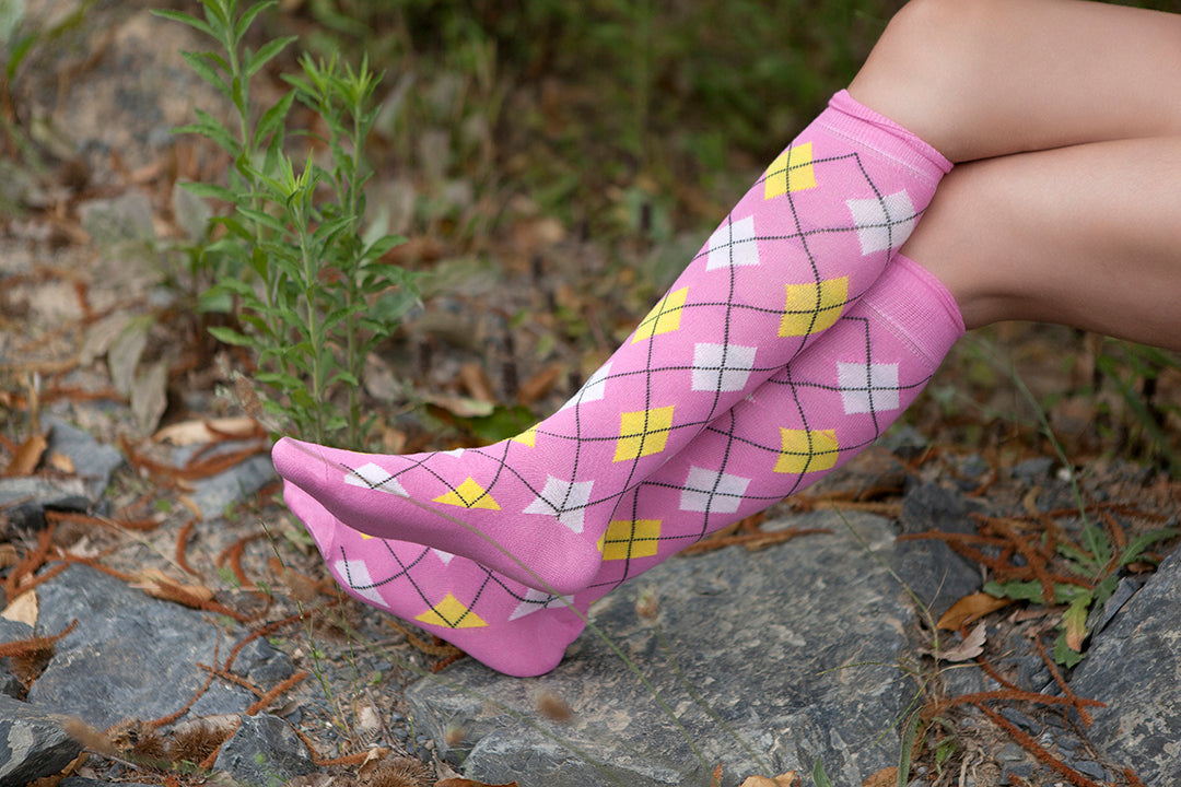 Women's Trendy Argyle Knee High Socks