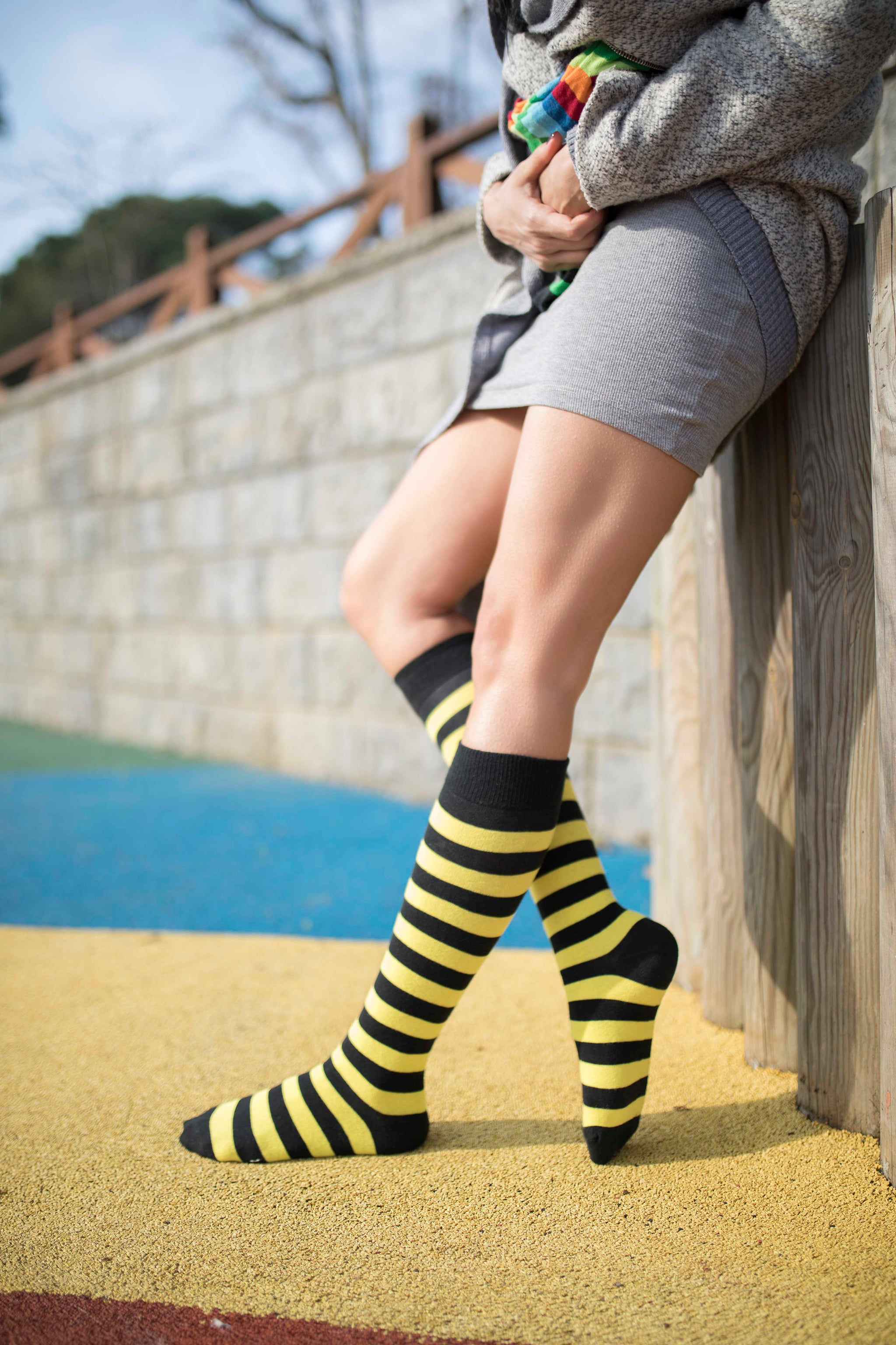 Women's Bumblebee Stripe Knee High Socks
