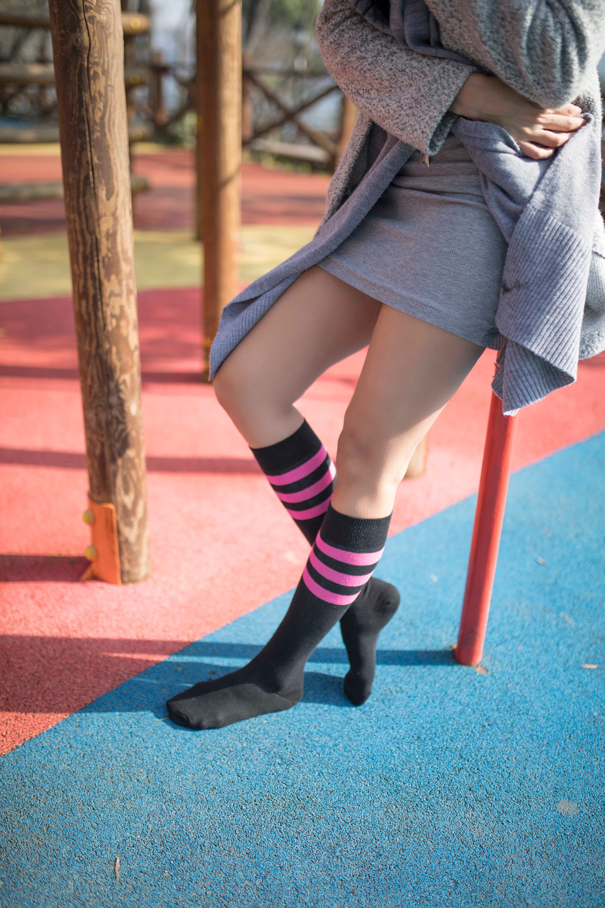 Women's Black Candy Stripe Knee High Socks