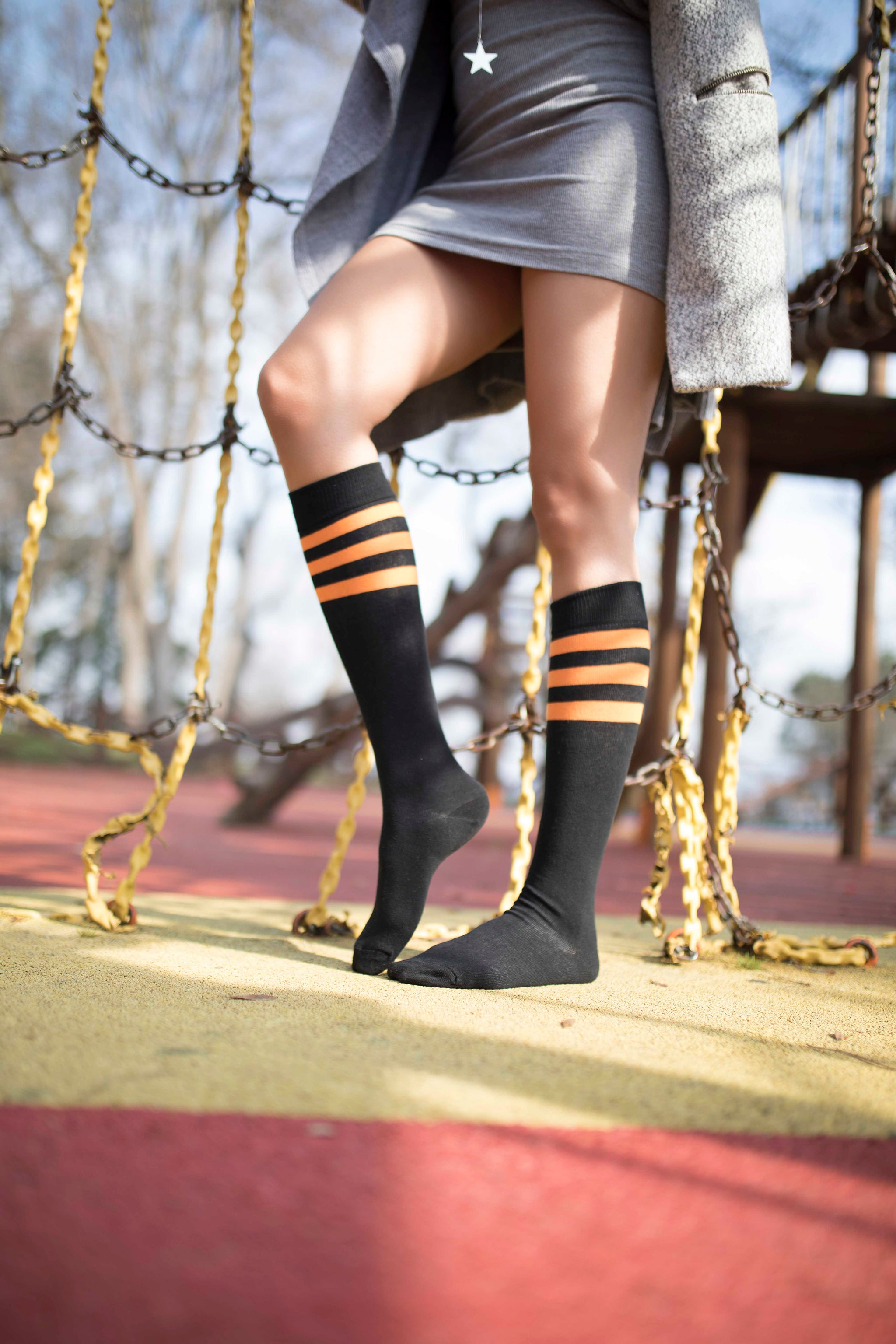 Women's Black Pumpkin Stripe Knee High Socks