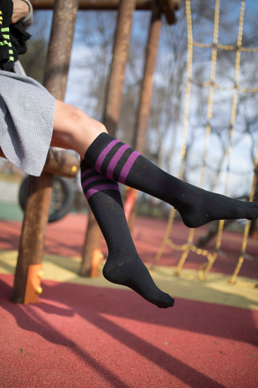 Women's Black Plum Stripe Knee High Socks