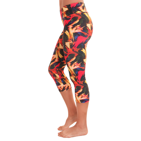Capri Patterned Yoga Legging Light in the Dark