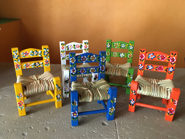painted-chair-mini-Quiroga
