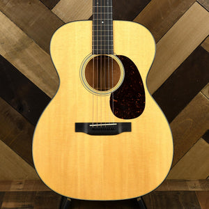 Martin 000-18 With Original Case - Used
