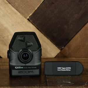 Zoom Q2N Handy Video Recorder With USB Reader & Two 32GB Sandisk SD Cards - Used