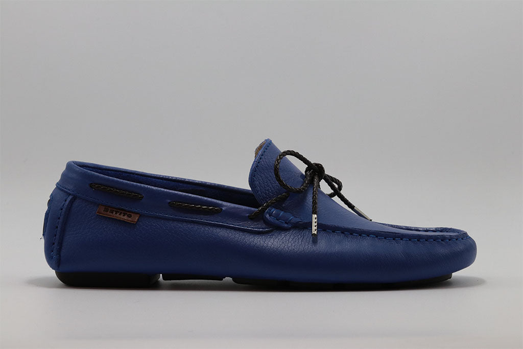 DRIVING SHOE WITH SOFT LACE AND HAND STITCHED MOC TOE