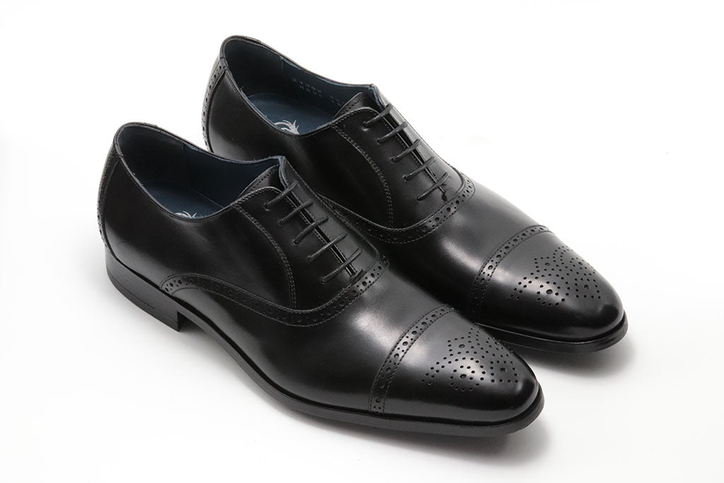 BLACK LEATHER OXFORD LACE UP WITH PERFORATED DETAILS AND MEDALLION TOE