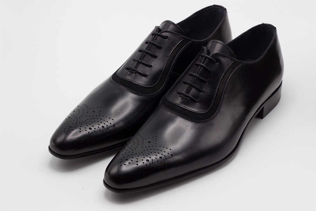 BLACK LEATHER OXFORD WHOLE CUT WITH AN ADDED SUEDE LINE