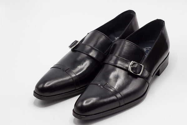 BOX THIN BLACK BUCKLE LOAFER WITH A PLAIN CAP TOE