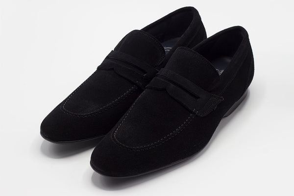 SPLIT BLACK PENNY LOAFER WITH APRON STITCHED TOE