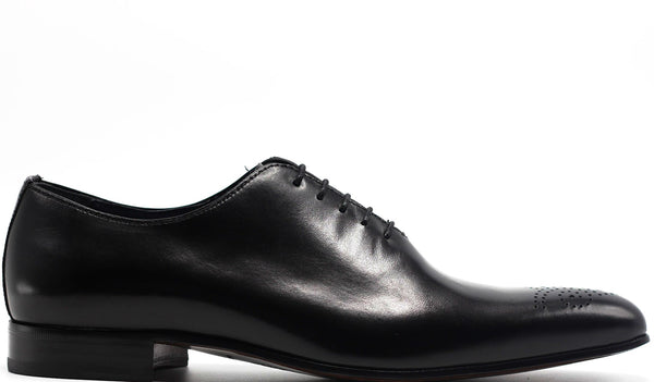BLACK LEATHER OXFORD WHOLE CUT LACE UP WITH MEDALLION TOE