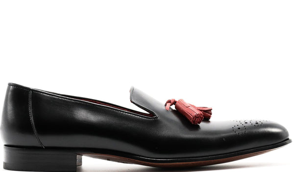 BLACK LEATHER VENETIAN LOAFER WITH RED TASSEL AND MEDALLION TOE