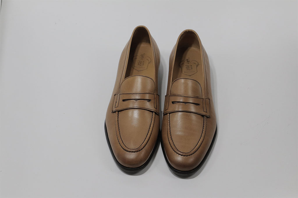 LIGHT BROWN PENNY LOAFER WITH APRON STITCHED TOE