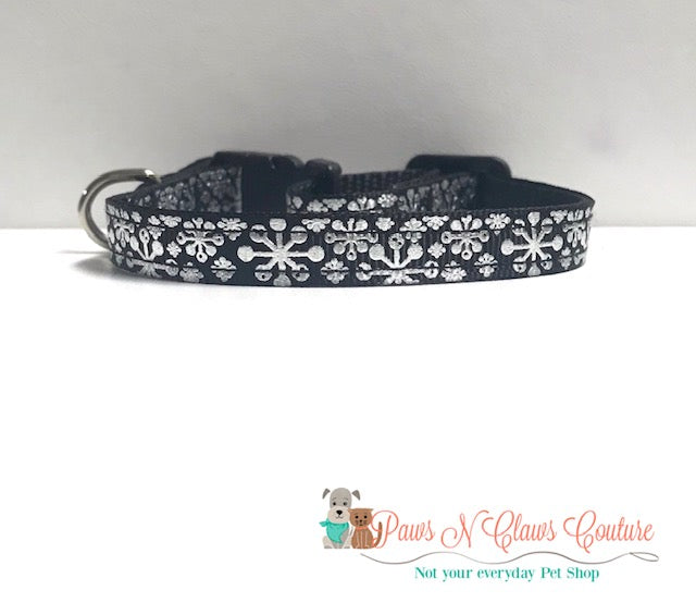 "3/8"" Foil Snowflakes on Black Cat or Small Dog Collar"
