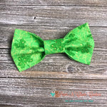 Clovers and Gold Dots Bow Tie