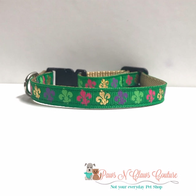 "3/8"" Fleur on Green Cat or Small Dog Collar"