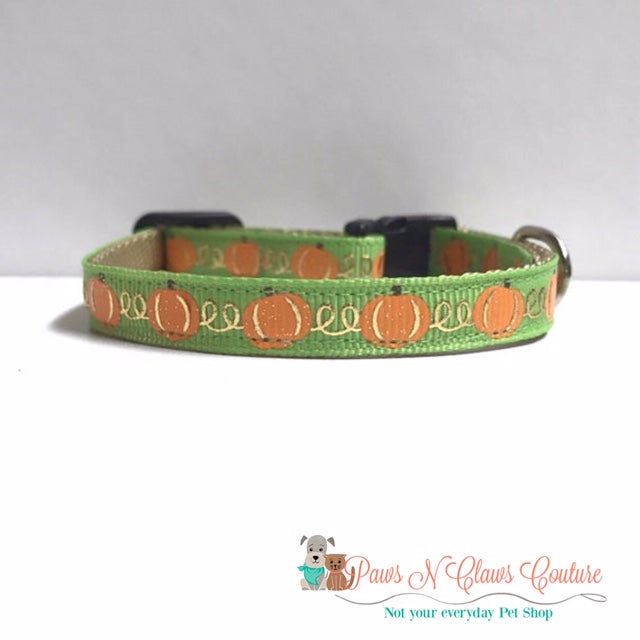 "3/8"" Pumpkins on Green Cat or Small Dog Collar"