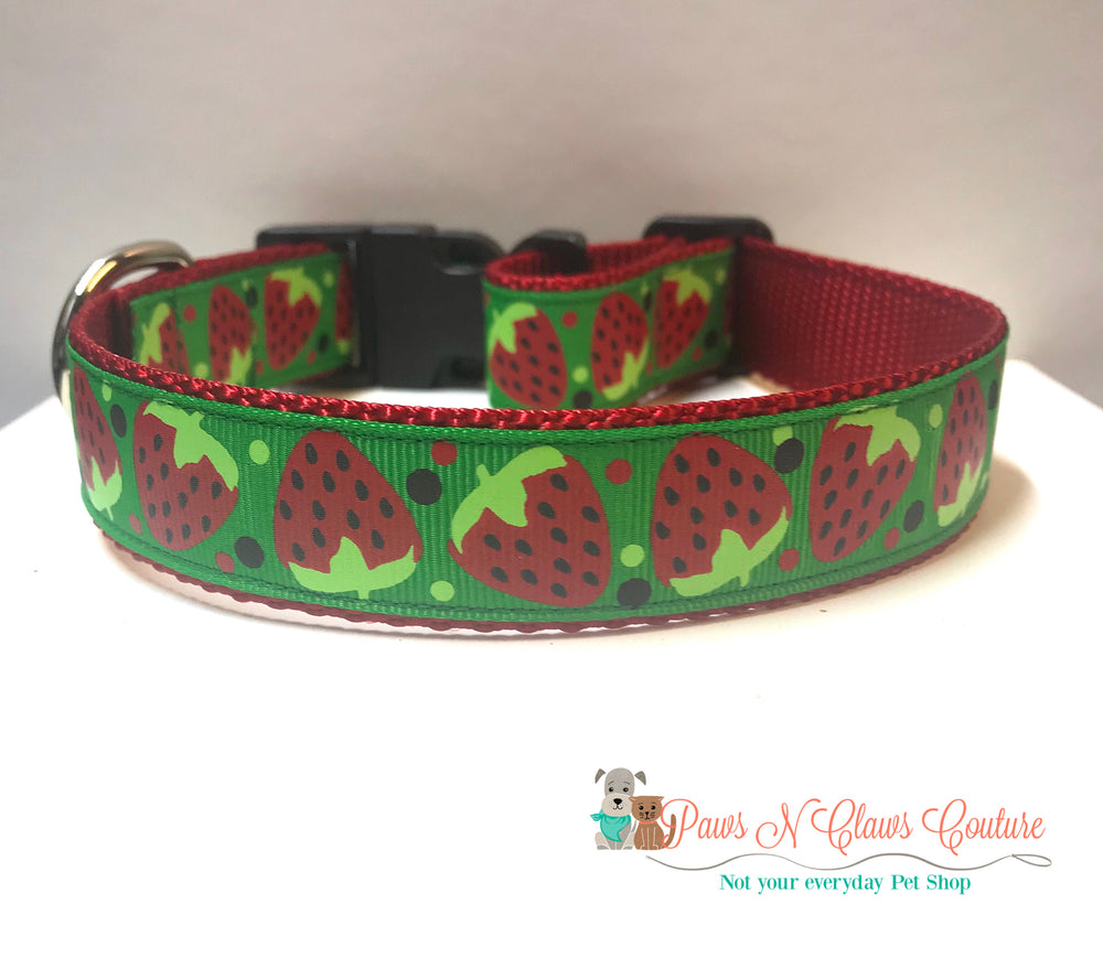 "1"" Strawberry Dog Collar - Paws N Claws Couture"
