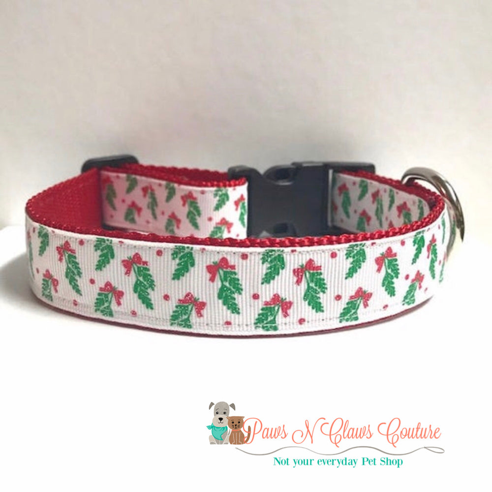 "1"" Mistletoe on white Dog Collar - Paws N Claws Couture"