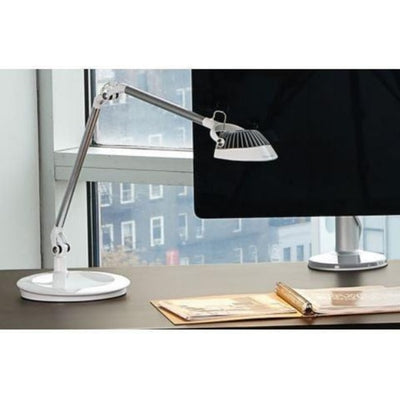 Humanscale Element Vision Task Light 3D View