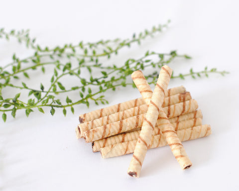 Pirouette cookies as bamboo for Panda Cake