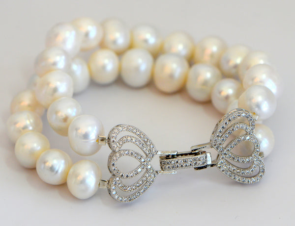 Heftsi Pearls Bracelet With Clear CZ'S Clasp