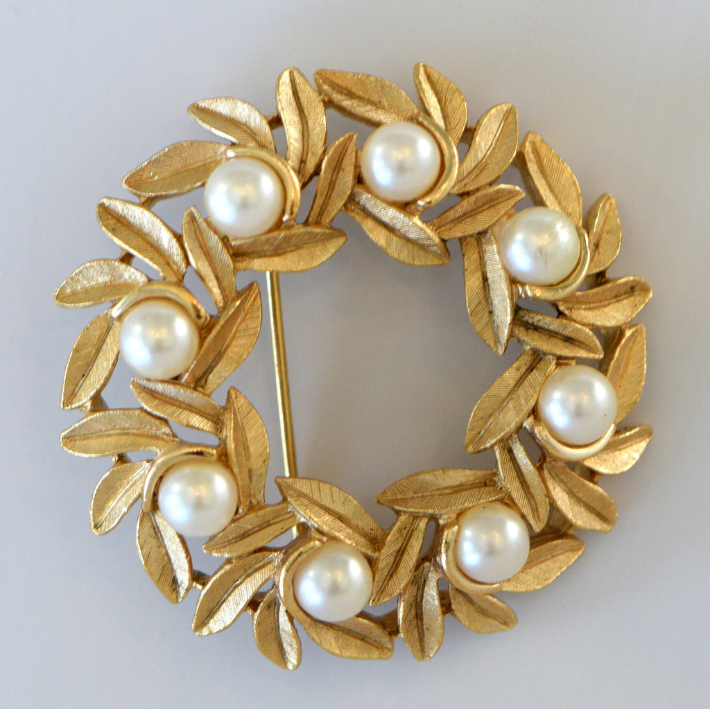 Heftsi Vintage Pearl and Gold Broche