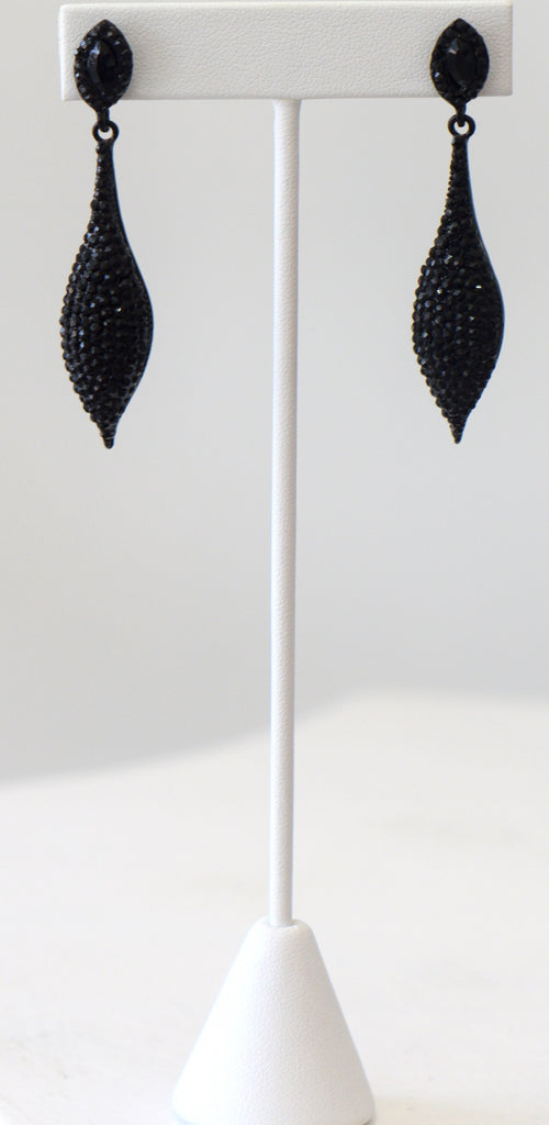 Heftsi Black Earrings