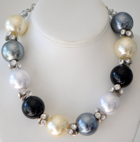 Multicolor Big Pearl Choker With clear Accent jewels
